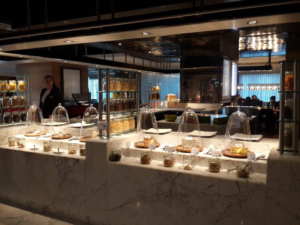 100 Hotel Apartments Dubai Sheraton Grand Review